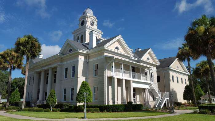 Lafayette County Courthouse.