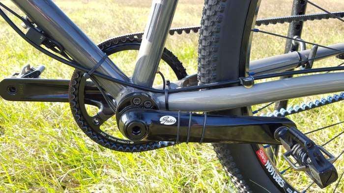 Di2 battery resides inside the seatpost.
