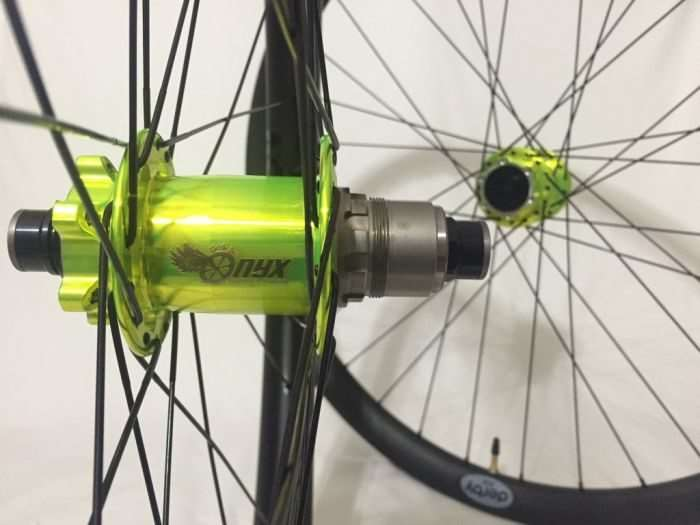 Onyx hubs shown with a SRAM XD freehub body. Onyx offers some very unique colors!