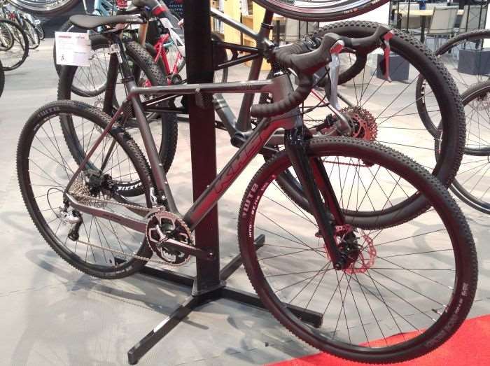 2016 Interbike: KHS Bicycles Grit 440 and CX 500 - Gravel