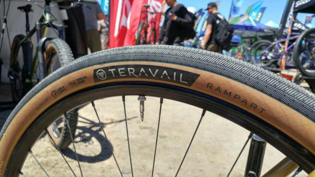 teravail rampart tan sidewall