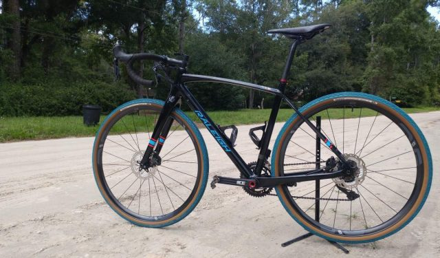 panaracer gravelking colored tires